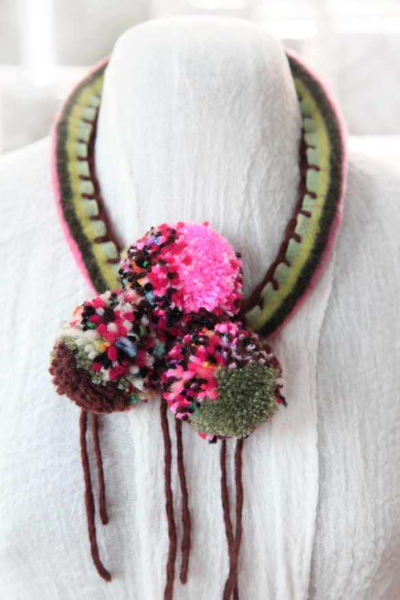 pom-pom necklace, Come make your own!